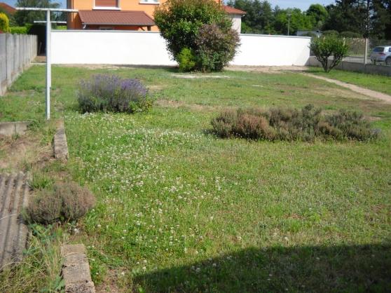 terrain à bâtir de 450 m² - ROANNE -