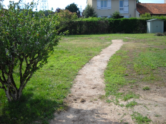 terrain à bâtir de 450 m² - ROANNE - - Photo 3