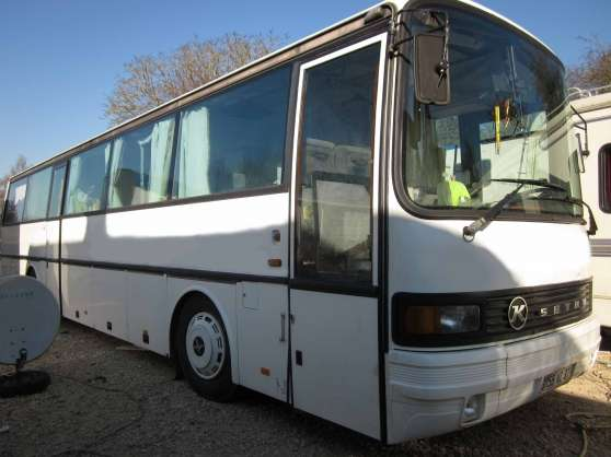 bus amenag caravanes camping car divers caravanes camping car bonneval reference car. Black Bedroom Furniture Sets. Home Design Ideas