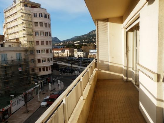 T3 Toulon haute ville cave balcon 60m2