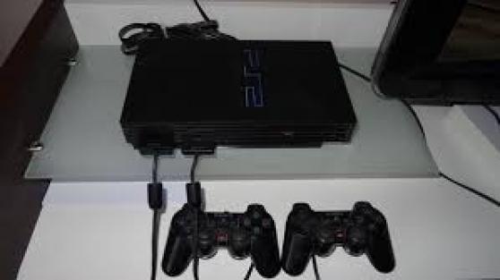 PS2+ 2 manettes + carte memoire +20 jeux
