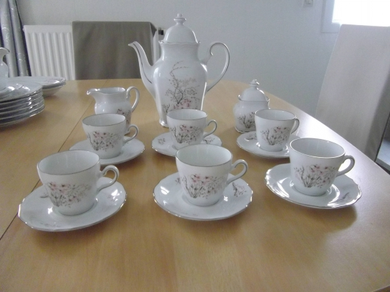 Service à café 6 personnes en porcelaine