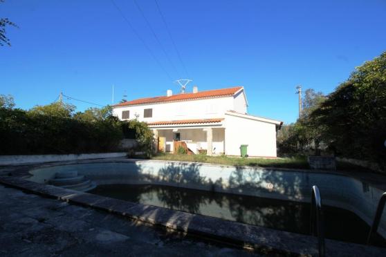 Maison de 116m2 avec piscine, Sesimbra