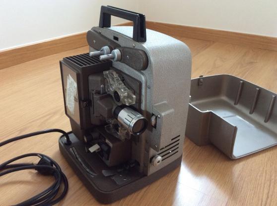 Projecteur de films 8 mm