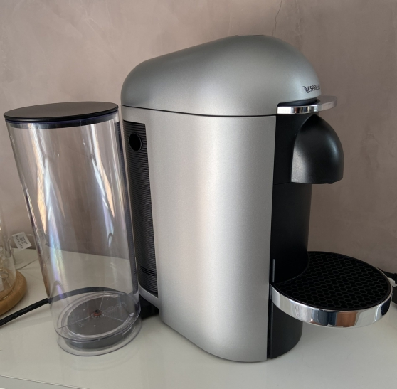 Machine Nespresso Vertuo Plus argent