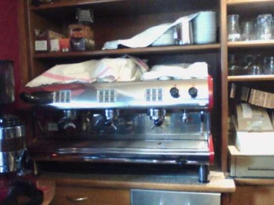 pour cafe