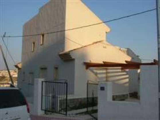villa neuve avec piscine 168000€