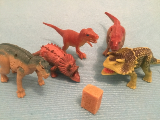 Lot de 5 figurines dinosaures
