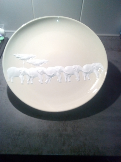 Annonce occasion, vente ou achat 'plat rond porcelaine RAYNAUD'