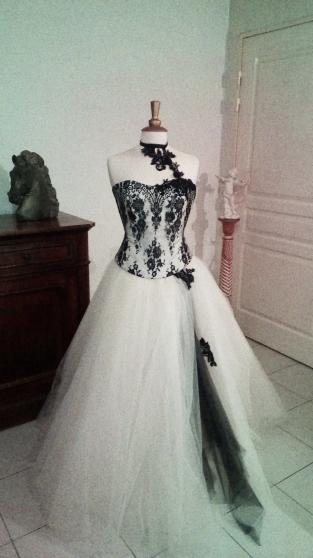 Loue robe de mariée modèle Réglisse
