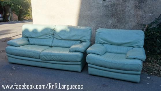 Petite Annonce : Canapé et fauteuil - Canapé et fauteuil en cuir Roche Bobois, très confortable et en fort