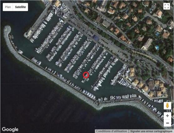 Place de port 8 m x 2,76 m Santa Lucia