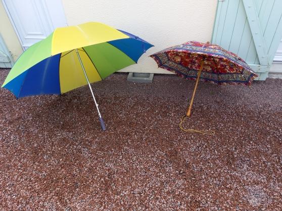 Annonce occasion, vente ou achat 'Lot de 2 parapluies homme / femme'