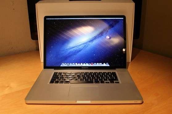 "MacBook Pro 17"" - 3.06GHz/500 GB/8 GB R"