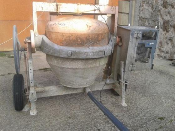 Annonce occasion, vente ou achat 'Bétonnière thermique altrad 350 litres'