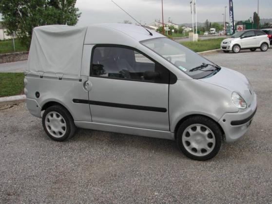 Voiture sans permis aixam 500 4 pick up aubrac auto for Surface construction sans permis