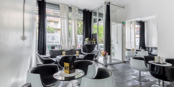 Lounge/Bar DE 55 M² à Paris