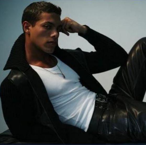 rech models masculins 18/35 ans