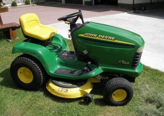 Tracteur tondeuse john deere lt 166 jardin nature - Remorque de jardin pour autoportee ...