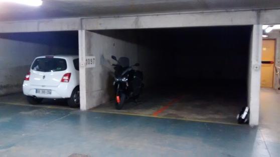 Location parking moto PARIS 11e