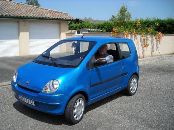 voiture sans permis aixam bleu auto aixam c reste reference aut aix voi petite annonce. Black Bedroom Furniture Sets. Home Design Ideas