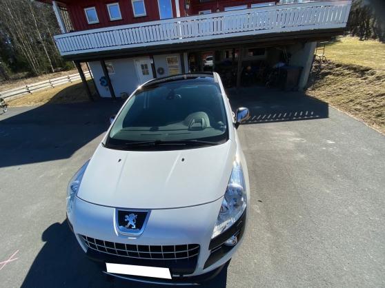 Peugeot 3008 1.6 HDi 110 Premium - Premi