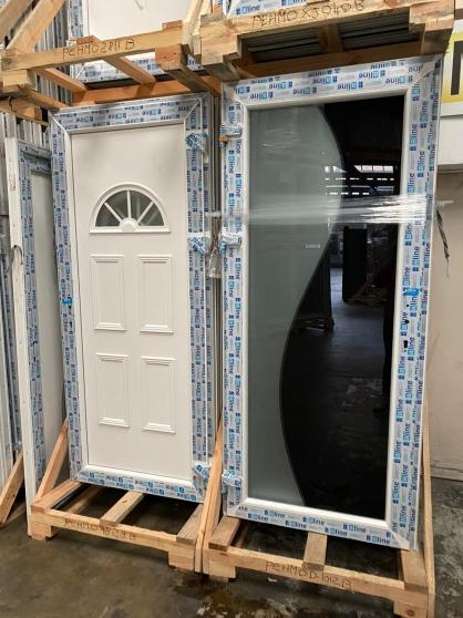 Porte en PVC/ALU en stock