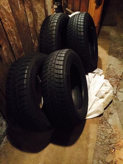 4 pneus neige Michelin neufs 195/65 R15