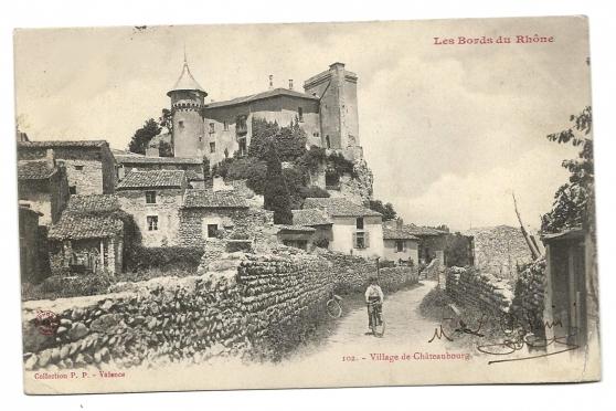 Village de Châteaubourg (07)
