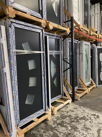 Annonce occasion, vente ou achat 'portes PVC/ALU haute de gamme en stock'