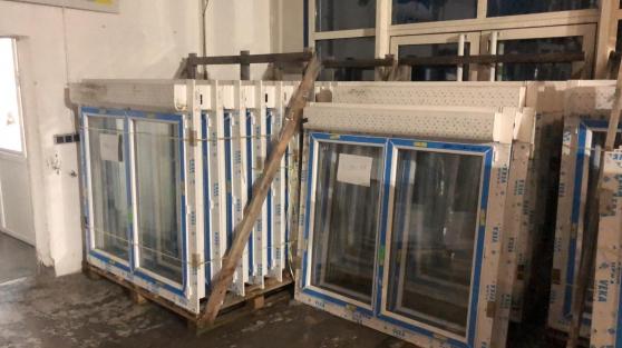 Annonce occasion, vente ou achat 'Fenêtre avec volet roulant à l\'état neuf'
