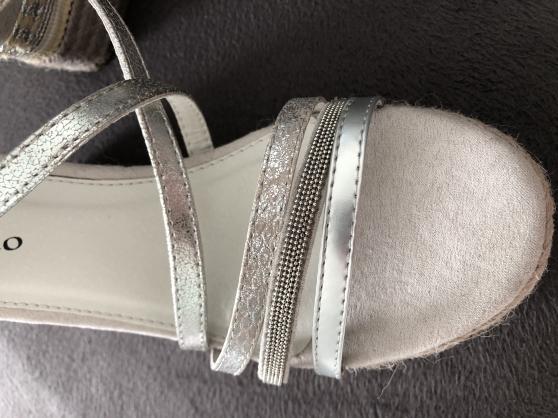 P41: Sandales compensées NEUVES - Photo 4