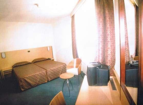 Des meubles d 39 h tel h tellerie mobilier reference h t mob des peti - Mobilier d hotel occasion ...