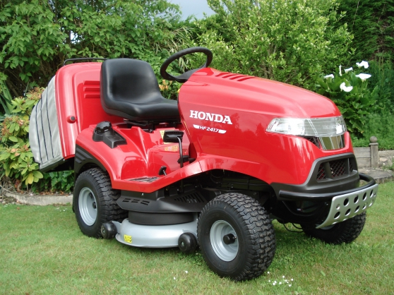 tracteur tondeuse honda 2417 htf neuf gu nes jardin. Black Bedroom Furniture Sets. Home Design Ideas