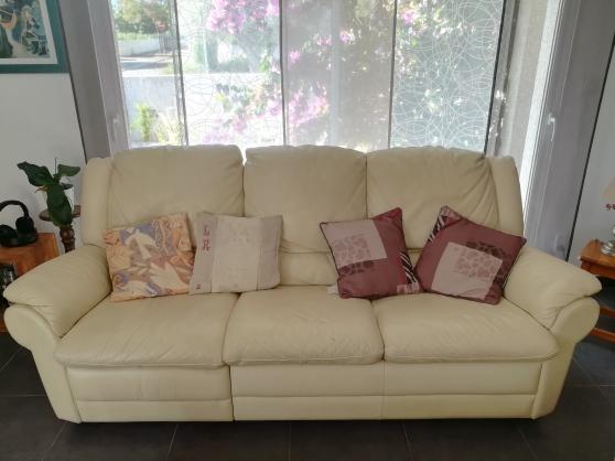 Annonce occasion, vente ou achat 'Canapé 3 places en cuir avec relax'