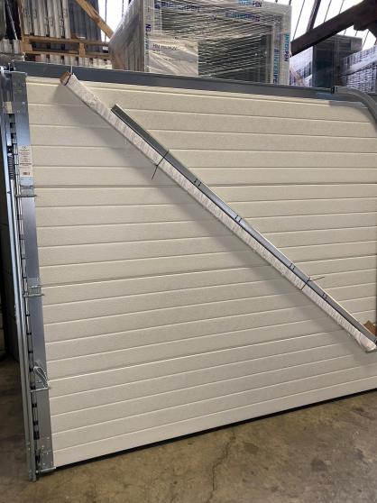 Annonce occasion, vente ou achat 'Porte de garage sectionnelle de qualité'