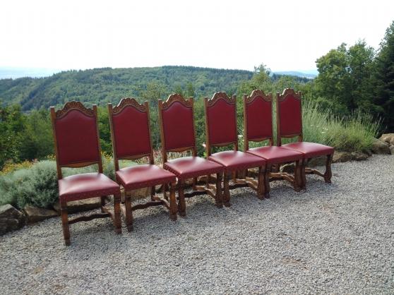 6 chaises.