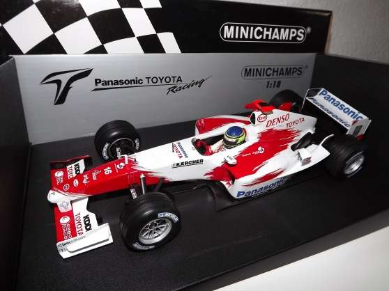 F1 1/18 Toyota TF104 C.Da Matta 2004