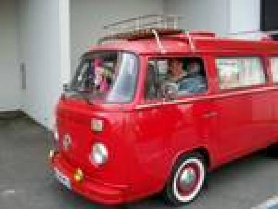 volkswagen combi camionnette auto volkswagen brive la. Black Bedroom Furniture Sets. Home Design Ideas