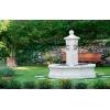 Fontaine centrale de jardin en pierre re