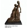 Sculpture '' Le baiser de Rodin.  ''